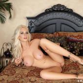 Katie Calloway nackt im playboy