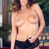 Kelly Hall nackt