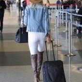 Kelly Rohrbach jeans