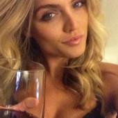 Kelsey Laverack hot