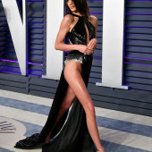 Kendall Jenner pantyless