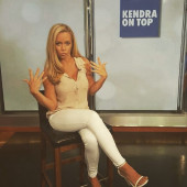 Kendra Wilkinson playmate