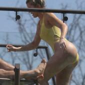 Khloe Kardashian oops