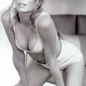 Kim Basinger hot