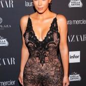 Kim Kardashian no underwear