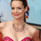Kimberly Williams-Paisley dekollete