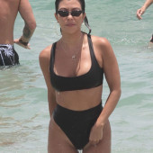 Kourtney Kardashian beach