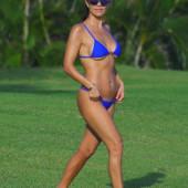 Kourtney Kardashian body