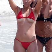 Kourtney Kardashian underboob