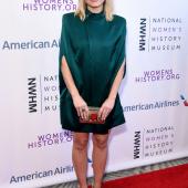 Kristen Bell legs