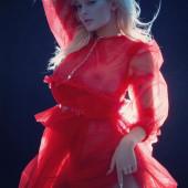 Kylie Jenner nipple