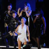 Kylie Minogue no-panty-slip
