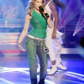 Kylie Minogue oops