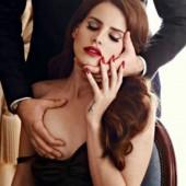 Lana Del Rey topless