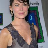 Lara Flynn Boyle braless
