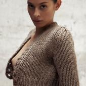 Lara Swiecicki topless