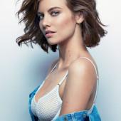 Lauren Cohan cleavage