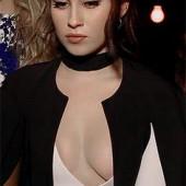 Lauren Jauregui cleavage