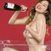 Lauren Summer nackt im playboy
