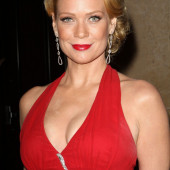 Laurie Holden dekollete