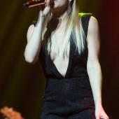 LeAnn Rimes cleavage