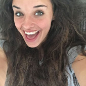 Leigh Nicol selfie