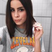 Lena Meyer-Landrut selfie