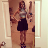 Lili Reinhart selfie