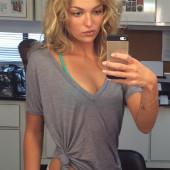 Lili Simmons sexy