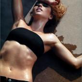 Linda Cardellini body