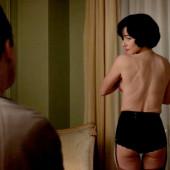 Linda Cardellini topless scene