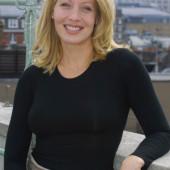 Linda Kozlowski sexy
