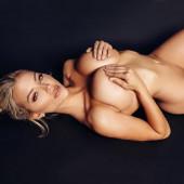 Lindsey Pelas nude photos