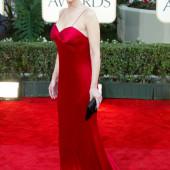 Lisa Kudrow braless