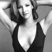 Lisa Kudrow cleavage