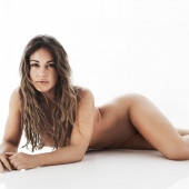Louise Thompson nackt