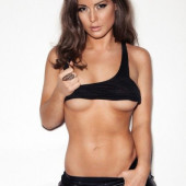 Louise Thompson underboob