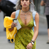 Lourdes Leon cleavage