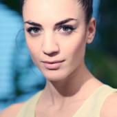 Maddalena-Noemi Hirschal fake