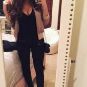 Madison Pettis selfie
