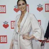 Mandy Capristo ohne bh