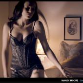 Mandy Moore hot scene
