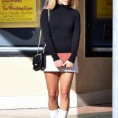 Margot Robbie boots
