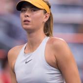 Maria Sharapova braless