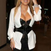Mariah Carey tit slip