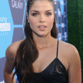 Marie Avgeropoulos braless