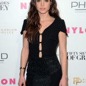 Marie Avgeropoulos ohne bh