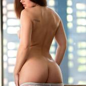 Mariela Henderson desnudo
