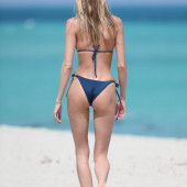 Martha Hunt beach
