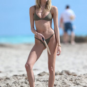 Martha Hunt body